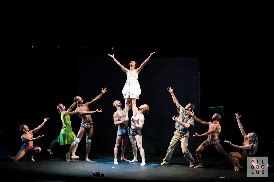 Pilobolus Shadowland Dancecleveland Modern And Contemporary